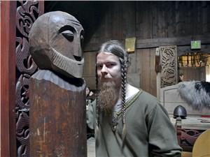 Аниматор в Музее викингов Лофотр вошел в роль