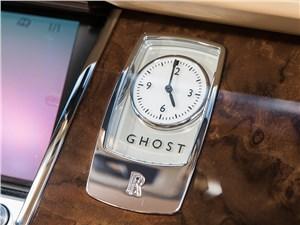 Предпросмотр rolls-royce ghost ewb 2013 часы