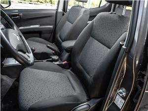 Mitsubishi L200 2014 передние кресла