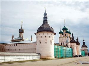 Ростовский Кремль красив в любое время года