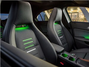 Предпросмотр mercedes-benz a-klasse 2015 передние кресла