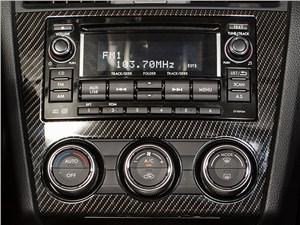 Subaru WRX 2015 центральная консоль