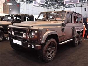 Kahn Design / Land Rover Defender вид спереди