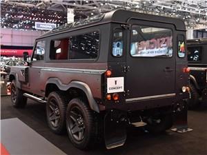 Kahn Design / Land Rover Defender вид сзади