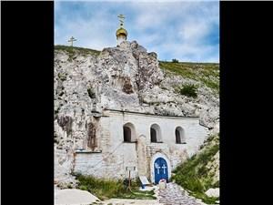 Спрятанные в меловых пещерах церкви – зрелище неповторимое