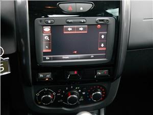 Renault Duster 2015 центральная консоль