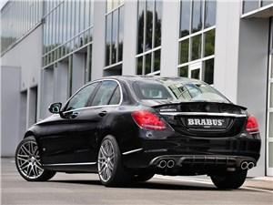 Brabus / Mercedes-Benz C-Class вид сзади