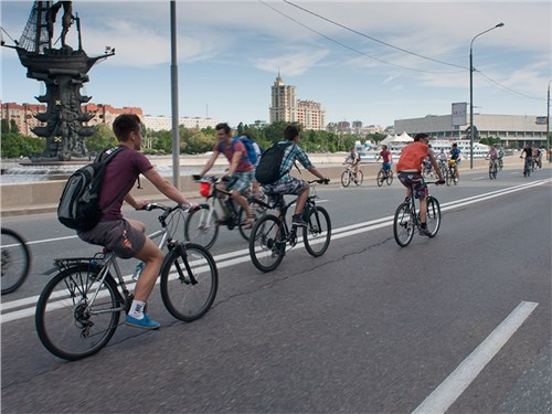 Мэр Москвы поддерживает идею о введении прав на велосипеды