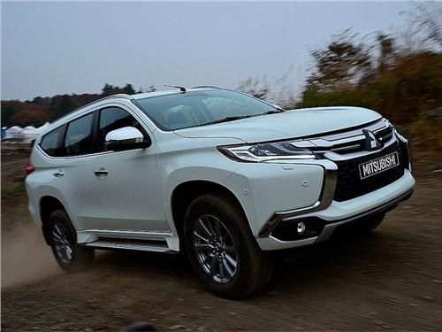 В Mitsubishi назвали сроки появления Pajero Sport в России