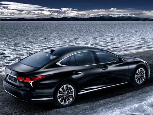 Lexus поделился подробностями гибридного LS