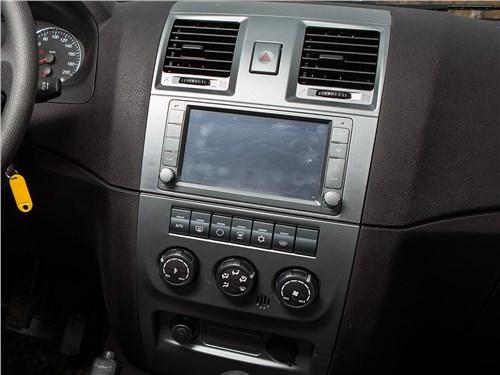 UAZ Pickup 2014 центральная консоль