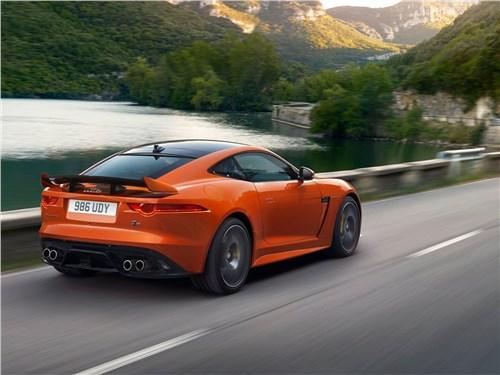Предпросмотр jaguar f-type svr coupe 2016 вид сзади