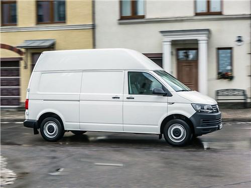 Volkswagen Transporter 2015 вид сбоку