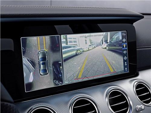 Mercedes-Benz E-Klasse 2017 монитор