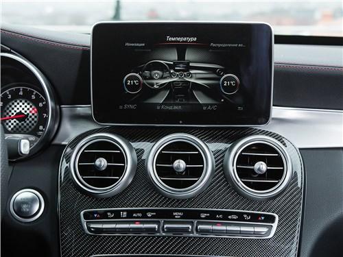 Mercedes-Benz C450 AMG 2016 центральная консоль
