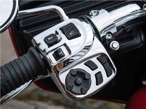 Indian Roadmaster кнопки управления на левой ручке руля
