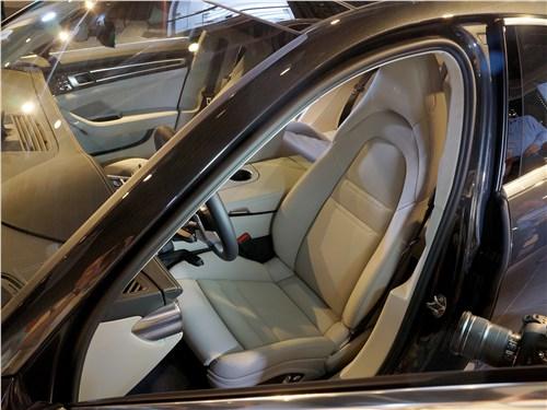 Предпросмотр porsche panamera 2017 переднее кресло