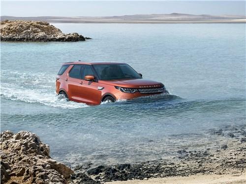 Предпросмотр land rover discovery 2017 в воде