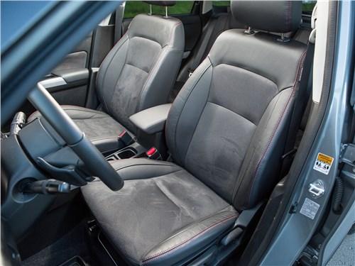 Suzuki Vitara S 2016 передние кресла