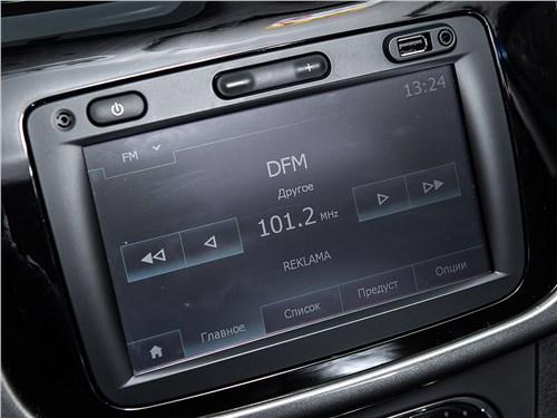 Renault Sandero Stepway 2015 сенсорный дисплей