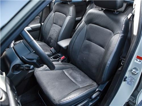 Suzuki Vitara 2015 передние кресла