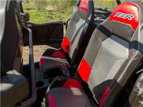 Polaris RZR XР4 Turbo EPS места для пассажиров