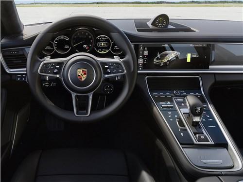 Предпросмотр porsche panamera turbo s e-hybrid 2018 салон