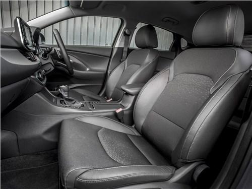 Предпросмотр hyundai i30 fastback 2017 передние кресла
