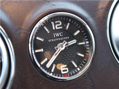 Предпросмотр mercedes-maybach s 450 4matic 2018 часы