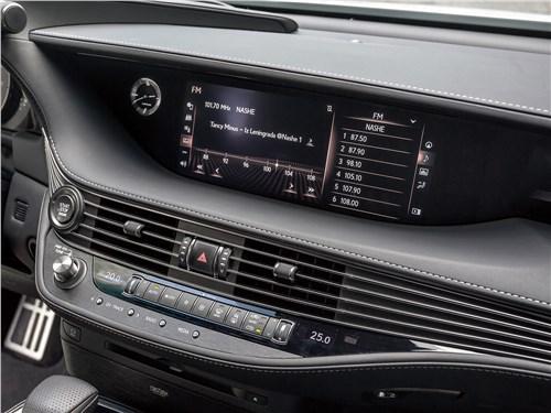 Lexus LS 500 F Sport 2018 центральная консоль