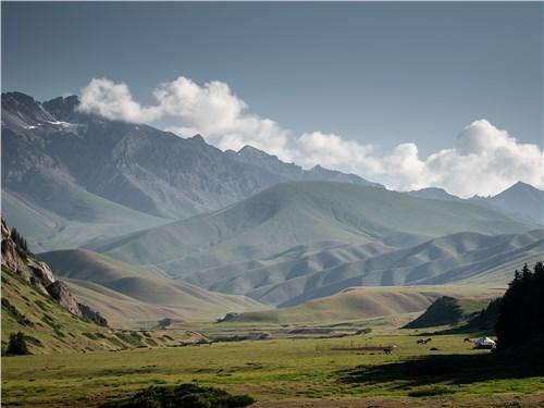 Горные ландшафты Киргизии очень разнообразны и всегда потрясающе красивы