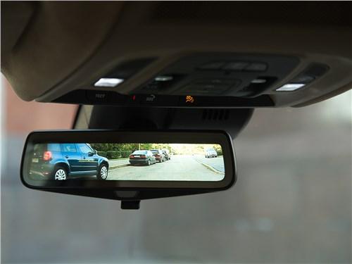 Cadillac CT6 2017 салонное зеркало