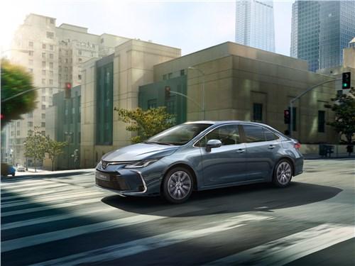 Toyota Corolla - Toyota Corolla 2019 вид спереди сбоку