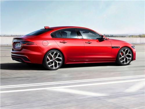 Предпросмотр jaguar xe 2020 вид сбоку