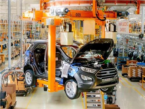 Новость про Ford - Ford закрывает заводы