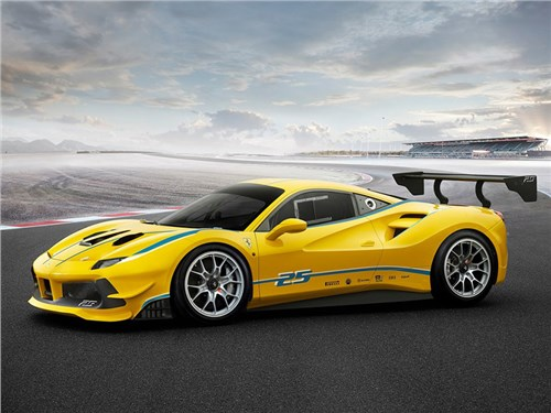 Гибридный суперкар Ferrari замечен на тестах в Италии