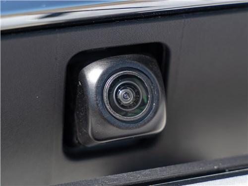 Toyota Corolla 2019 видеокамера