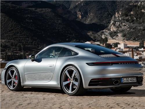 Предпросмотр porsche 911 carrera 2019 вид сзади
