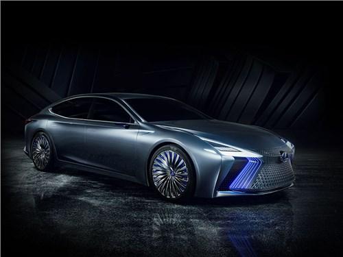 Lexus пролил свет на электричество