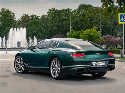 Bentley Continental GT 2018 вид сзади