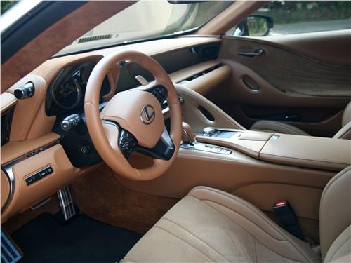 Lexus LC 500 2018 салон