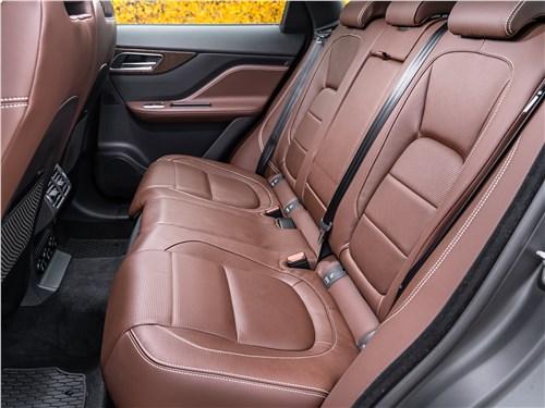 Jaguar F-PACE 2018 задний диван