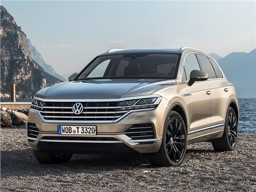 Volkswagen Touareg зарядят от розетки