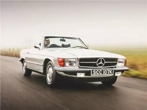 Новость про Mercedes-Benz SL-Class - Классический Mercedes переделали в электромобиль