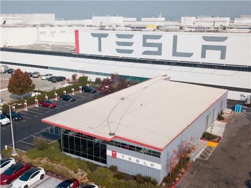 Маск открыл завод в Калифорнии вопреки запрету властей