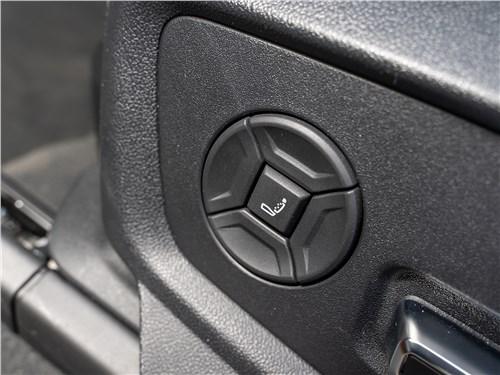 Audi Q8 2019 передние сиденья