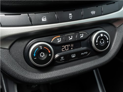 Lada Vesta Sport 2019 климат-контроль