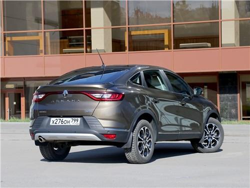 Renault Arkana 2020 вид сзади