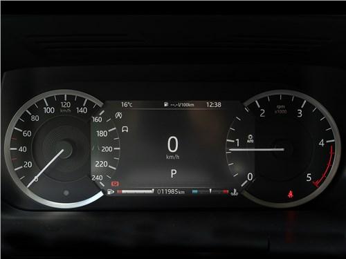 Land Rover Discovery Sport 2020 приборная панель
