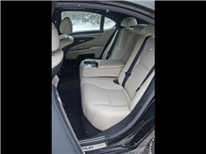 Lexus LS 600h F Sport 2012 задний диван